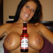 gros seins avec anneau femme cougar