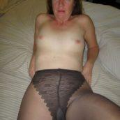 femme mature en collants