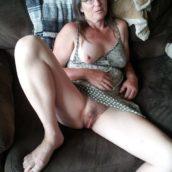 chatte de vieille femme nue