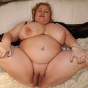grosse fente de femme ronde nue