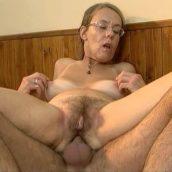 grand mère qui se fait sodomiser