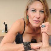 femme de 40 ans branle une bite