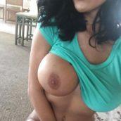 femme bronzée chaude