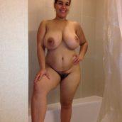 colombienne aux seins énormes