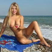 blonde naturiste
